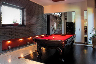 pool table room sizes guide in Milwaukee content image1
