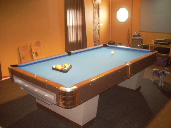 Pool Tables For Sale Sell A Pool Table In Milwaukee Wasconsin - Milwaukee pool table movers
